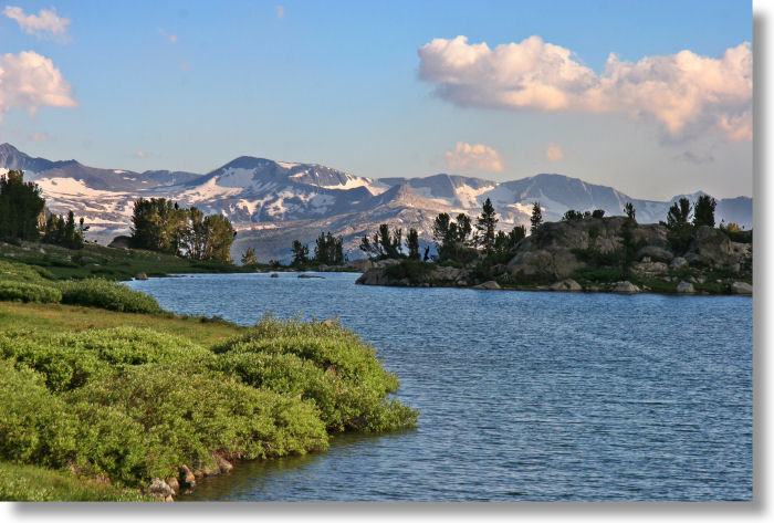 http://www.yosemitehikes.com/images/granite-lake-mammoth-peak-700w.jpg