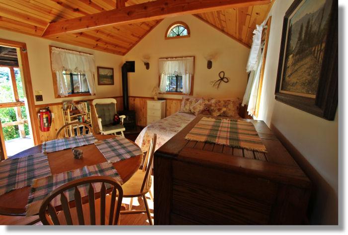 Meadow Lark Cabin Interior Sunset Inn Yosemite Cabins
