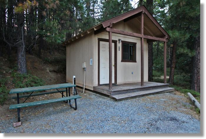 Bunkhouse cabin at the yosemite lakes resort buck meadows for Cabins in yosemite