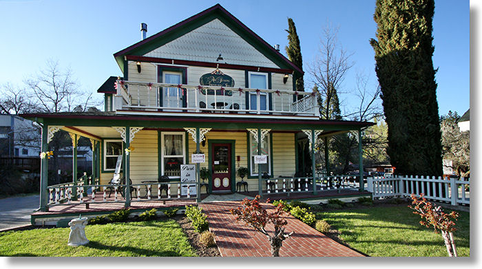 The All Seasons Groveland Inn Groveland California