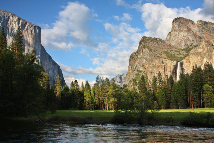 Yosemite valley highlights the gates of the valley for Cabins in yosemite valley