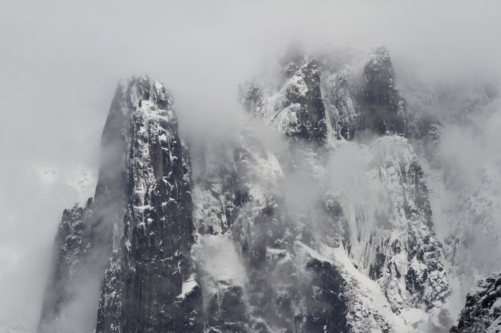 Sentinel Rock in snow and mist, Yosemite Park