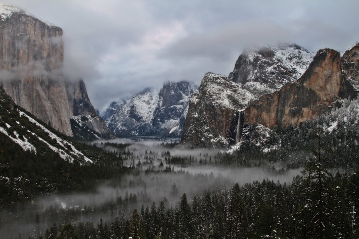 Yosemite Valley in winter, seen from the Tunnel View