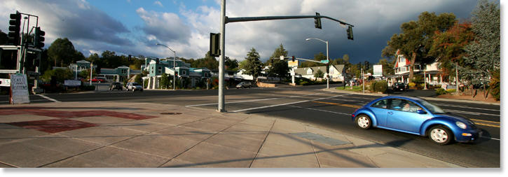 The Talking Bear intersection in Oakhurst, California