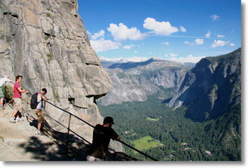 The lookout at the top of Yosemite Falls
