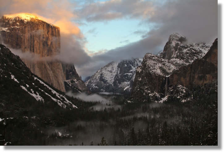 Yosemite's Tunnel View, breaking storm