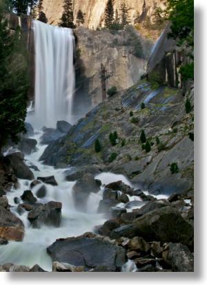 Vernal Fall Footbridge Hiking Guide